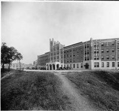 Waverly Hills Sanatorium exterior, 1926. :: Caufield & Shook Collection