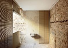 Bosch Capdeferro Arquitectures / Sink in Collage house