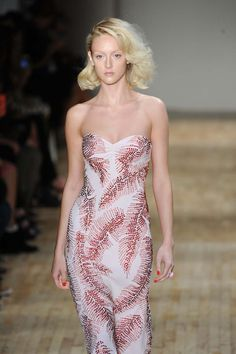 Fashion Week: Jenny Packham ressuscite Marilyn Monroe | Femina