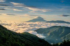 FUJIFILM X-E1 + FUJINON XF18-55mm/2.8-4 | Mt.Fuji, Japan | https://www.facebook.com/FUJIFILMXseriesJapan | Photography by Hayato Ebihara | http://fujifilm-x.com/photographers/ja/hayato_ebihara/