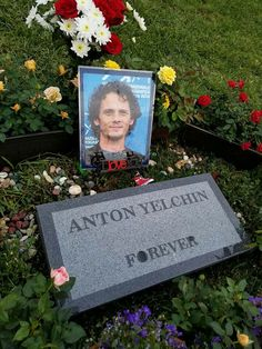 Anton Yelchin - American film and television actor, known for portraying Pavel Chekov in the Star Trek reboot series, Jacob Helm in Like Crazy, Jim Lake Jr. in Trollhunters, and several other prominent roles. Anton Yelchin, Famous Tombstones, Star Trek Reboot, Cemetery Monuments, Famous Graves, Grave Memorials, In Loving Memory, Famous People, Death