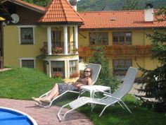 relex next the pool Outdoor Furniture, Outdoor Decor, Sun Lounger, Home Decor, Chaise Longue, Decoration Home, Room Decor, Home Interior Design, Backyard Furniture