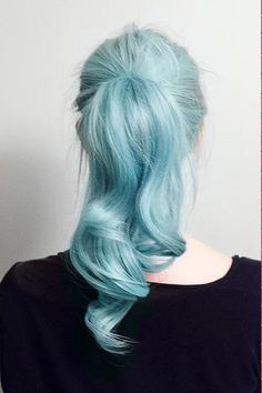 Looking for a surprising new hair color that's fit for any season? From blue pastel hair to cool shades of aqua, you'll love these light blue hair color ideas. Light Blue Hair, Hair Color Blue, Hair Colors, Colored Hair, Colours, Betty Cooper Aesthetic, Pelo Color Azul, Wedding Hairstyles, Cool Hairstyles