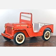 Vintage toys - Tonka Lifeguard Jeep