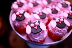 Jenny of Jenny Cookies designed this fabulous owl party for her daughter who recently turned The initial choice for the. Owl Cupcakes, Themed Cupcakes, Birthday Cupcakes, Cupcake Cakes, Birthday Sweets, Decorated Cupcakes, Yummy Cupcakes, Cupcake Toppers, Owl Parties