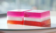 Tutorial on how to make soap in layers. Step by step instructions. Easy to follow, and super cute DIY project!