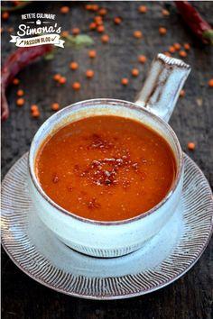 Reteta culinara Supa crema de linte rosie si ardei copt din categoria Supe de legume. Cu specific italian.. Cum sa faci Supa crema de linte rosie si ardei copt Macarons, Zucchini, Menu, Pudding, Cheese, Ethnic Recipes, Desserts, Food, Summer Squash