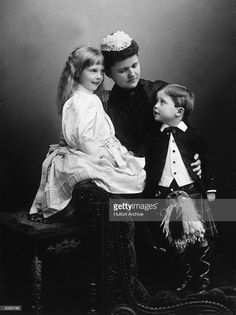 Helen Duchess of Albany the wife of Prince Leopold with their two... News Photo | Getty Images