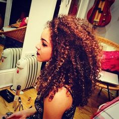 Image via We Heart It #curlyhair #hairstyle #longhair #naturalhair #ethnichair #naturallycurly #airstyle #hairgoals