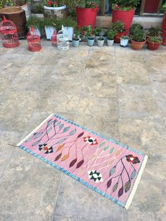 Good Absolutely Free bedroom rug pink Style Deciding the appropriate vicinity area rug measurements and for your space or room can be tough — an area rug . Modern Rustic Decor, Cleaning Items, Pink Bedrooms, Pink Rug, Small Rugs, Pink Fashion, Outdoor Rugs, Kilim Rugs, Vintage Rugs