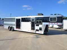 Horse Trailers Houston Texas   SHOW CATTLE TRAILER W/PROLINE LIVING QUARTERS W/BUNK BED   GC 4 Star