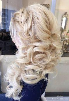 Elstile Wedding Hairstyles for Long Hair / www.deerpearlflow… Elstile Wedding Hairstyles voor lang haar / www. Wedding Hairstyles For Long Hair, Wedding Hair And Makeup, Bride Hairstyles, Easy Hairstyles, Hair Makeup, Hairstyle Ideas, Gorgeous Hairstyles, Winter Hairstyles, Elegant Wedding Hair