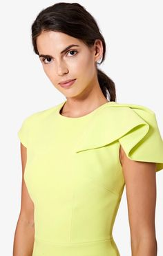Cap sleeved, crew neck top with single shoulder drape in Meadow Lark. Couture Mode, Couture Fashion, Modest Dresses, Simple Dresses, Formal Dress Patterns, Dresses For Apple Shape, Kleidung Design, Classy Outfits For Women, Sleeves Designs For Dresses