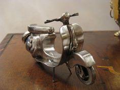 Moto vespa en miniatura