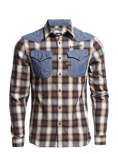 En häftig skjorta med Westernkänsla och traditionellt stuk :)