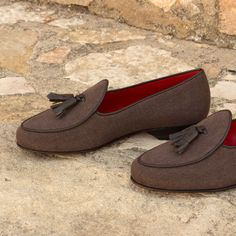 Handcrafted Custom Made Belgian Slippers in Brown Linen and Calf Leather From Robert August. Create your own custom designed shoes. Custom Made Shoes, Custom Design Shoes, Red Slippers, Leather Slippers, Polo Shoes, Men's Shoes, Shoes Men, Dress Shoes, Men Dress