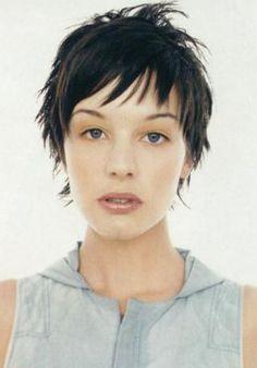 women with short choppy hairstyles
