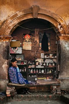 stevemccurry:    Nepal                                                                                                                                                     More