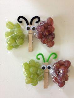 HomeMaid Denmark: Sommerfugle snacks Geschenke/Presents Cute Snacks, Cute Food, Food Art For Kids, Crafts For Kids, Kreative Snacks, Butterfly Snacks, Denmark Food, Bar A Bonbon, Food Decoration