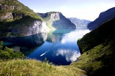 The Norway in a nutshell original tour takes you through Norway's most beautiful fjord scenery. Plan and book your trip today!