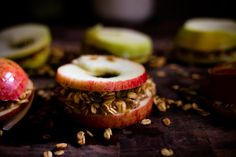 sparkle kitchen - apple sandwich stackers - Sparkle Stories Sparkle Stories, Apple Sandwich, Toasted Oats, Toast In The Oven, Apple Slices, Cheddar Cheese, Nom Nom, Peanut Butter, Sandwiches