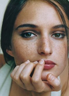 Dear ladies - work those freckles.