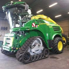 Semitrckn John Deere 8600I half track Forage harvester