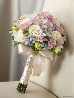 Bukiet-ślubny-z-róż-goździków-astromerii-i-hortensji.jpg 488×650 pikseli