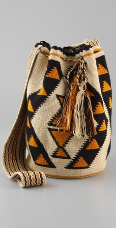 Wayuu Taya Foundation bag