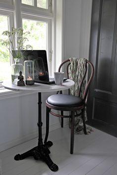 Svenngården.  DIY: Drømmestolene på budsjett - Før og etter.   Thonet, Chair, Paris, café feeling
