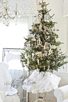 A White Cottage Christmas