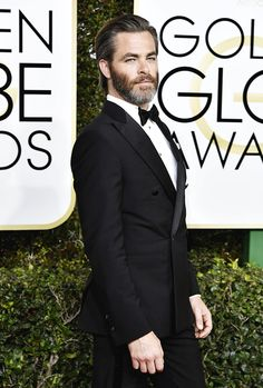 Chris Pine attends the Golden Globe Awards on January 8, 2017.