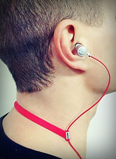 ii Earphones Snap Strap.  A CrowdFunded success story form Indiegogo.  No more earbuds falling out as you move around, walk or Jog.