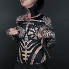 Top 25 Blackwork Tattoos for 2018 - Tattoo Ideas & Trends Modern Tattoos, Trendy Tattoos, Sexy Tattoos, Life Tattoos, Unique Tattoos, All Tattoos, Beautiful Tattoos, Black Tattoos, Body Art Tattoos