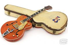 Buy Vintage Guitars, Used Guitars, Martin and more - Welcome to Rock N Roll Vintage, America's favorite vintage guitar shop featuring new, used and vintage guit Guitar Shop, Jazz Guitar, Music Guitar, Cool Guitar, Playing Guitar, Art Music, Gretsch, Guitar Tips, Guitar Lessons