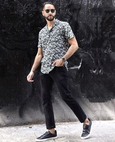 Like this look? It's entirely from ethical and sustainable brands like Veja and Outerknown. Get it at Eco-Stylist. Sustainable Looks, Sustainable Fashion, Urban Fashion, Mens Fashion, Ethical Shopping, Rugged Look, Looking Dapper, Men Style Tips, Men Street