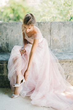 63 Ideas For Dress Pink Rose Wedding Colors Bride Portrait, Wedding Portraits, Wedding Photos, Wedding Bridesmaids, Wedding Gowns, Pink Dress, Flower Girl Dresses, Poses Photo, Shooting Photo