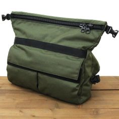 * MOTO HIP PACK * olive x black - 自転車 バッグの専門店 FREDRIK PACKERS Diy Backpack, Computer Backpack, Crossbody Bags For Travel, Travel Bags, Get Home Bag, Urban Bags, Edc Bag, Stylish Backpacks, Best Bags