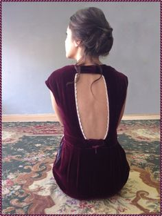 velvet + lace = shoushouCHRISTMAS    ROUDOLF dress available in burgundy & green..!