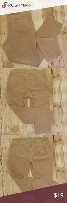 "Old Navy Rockstar Skinny Tan Corduroy Pants Old Navy Rockstar Skinny Tan Corduroy pants. Tan in color with zip and button fly. Flat pockets on the rear. Preowned in great condition with no rips, holes, tears or stains. 98% cotton and 2% elastan....there is some stretch to this pant. Comfortable 9"" front midrise provides extra coverage.  Reasonable offers encouraged or bundle and save with my bundle discount of 10% off 2 or more items.  Measurements  Waist 18"" (will stretch with ease up to…"