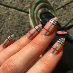 Rainbow nail art designs are very popular this season. Some women like rainbow nails. Rainbows may have different meanings in one's life. It can be a basic way to indicate life and its many stages of mental state. If you also like rainbow nails, lo Cute Acrylic Nails, Cute Nails, Pretty Nails, My Nails, Rainbow Nail Art Designs, Burberry Nails, Plaid Nails, Plaid Nail Art, Plaid Nail Designs