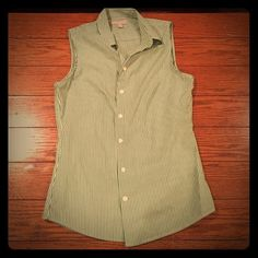 Banana Republic green & white vest top Green and white stripes vest/shirt. Button down. Banana Republic. In good condition and barely worn. Very easy to dress up or down! Banana Republic Tops Button Down Shirts