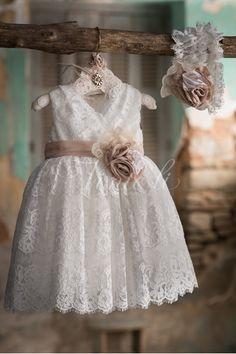 Εικόνα με Vinte Li Φόρεμα Βάπτισης 2719 Flower Girl Robes, Flower Girl Dresses, Day Dresses, Wedding Dresses, White Baby Dress, Vintage Baby Dresses, Baptism Outfit, Dresses Kids Girl, Christening