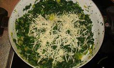 Λαχταριστά κανελόνια γεμιστά με σπανάκι!Μια συνταγη που πρεπει να δοκιμασετε βημα βημα Pasta Recipes, Cooking Recipes, Greek Cooking, Greek Recipes, Seaweed Salad, Vegan, Ethnic Recipes, Food, Chef Recipes