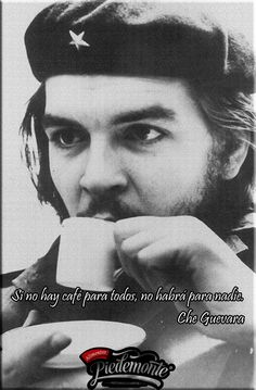 Ernesto Rafael Guevara de la Serna commonly known as Che Guevara drinking coffee, Photograph, Um 1955 (Photo by Imagno/Getty Images) Che Quevara, People Drinking Coffee, Ernesto Che Guevara, Frida Art, Fidel Castro, Guerrilla, Popular Culture, Revolutionaries, Rock And Roll