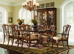 チッペンデール様式(Chippendale)  18世紀中頃を中心とした、イギリスの家具様式のこと。イギリスの家具デザイナー「トーマス・チッペンデール」から付けられている。ロココ様式を主流とし、ゴシックや中国風を単純化した近代的デザインで、リボンを絡ませたような「リボンバック」などが特徴。