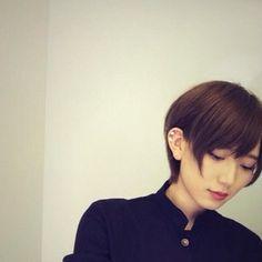 光宗薫 Short Bob Hairstyles, Boy Hairstyles, Short Hair Cuts, Short Hair Styles, Japanese Boy, Model Photos, Girl Fashion, Hair Color, Female