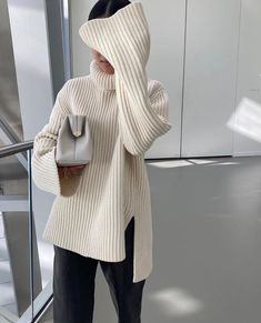 Image in Fashion / Beauty collection by Mae on We Heart It Mode Outfits, Fashion Outfits, Womens Fashion, Fashion Hacks, Preppy Outfits, Fashion Ideas, Fashion Tips, Fall Winter Outfits, Autumn Winter Fashion