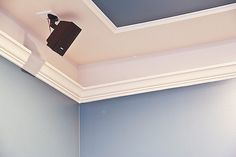 make a faux tray ceiling with molding and paint