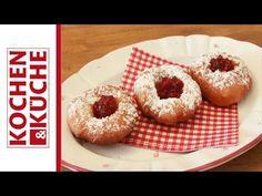 Bauernkrapfen | Kochen und Küche Doughnut, Desserts, Food, Cooking Recipes, Beignets, Tailgate Desserts, Dessert, Postres, Deserts